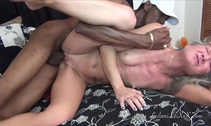 Time for my nooner milf tells her bbc paramour