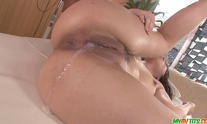 Chinatsu gives an oriental blow job and copulates