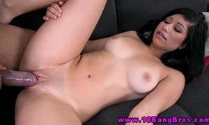 18yo lalin girl giving a irrumation