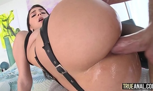 True anal valentina nappi opens her wazoo to receive drilled